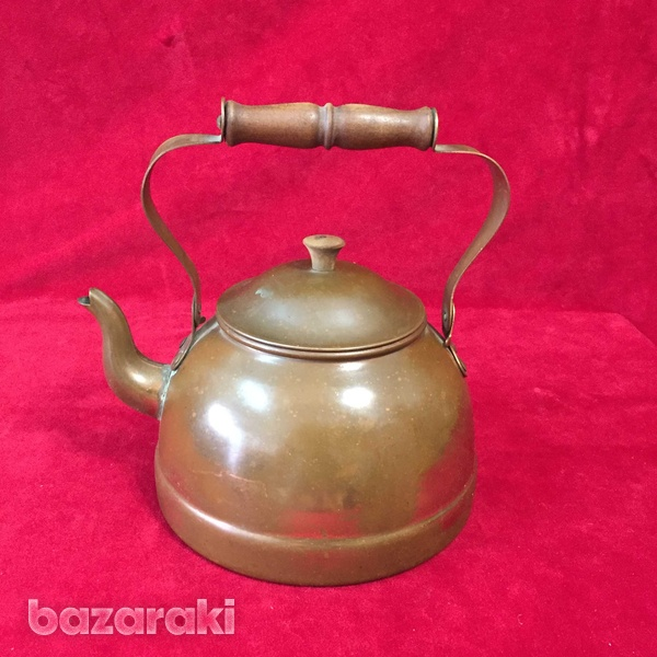 Vintage copper kettle with wooden handle.-3
