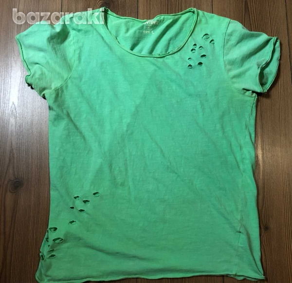 Green fashion ripped t-shirt large