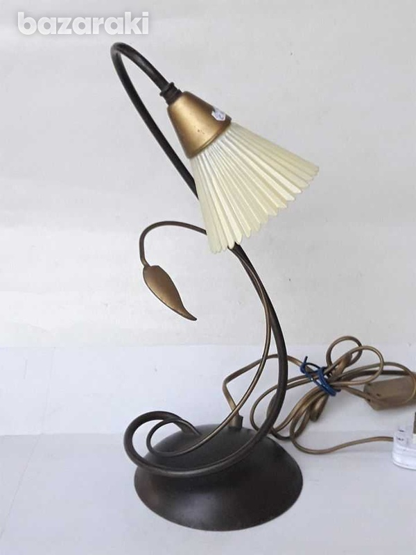 1960s vintage art deco beautiful table / office lamp, working. for dec-3