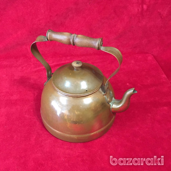 Vintage copper kettle with wooden handle.-7