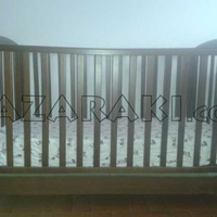 Wooden baby bed with mattress and bed bumper