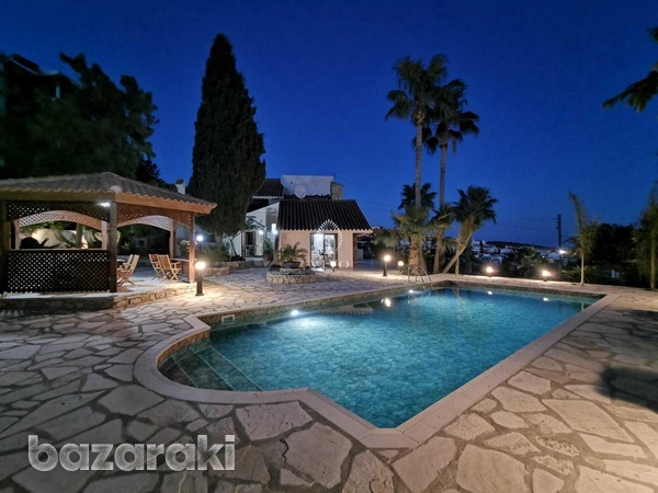 6 bedroom villa with panoramic city view in ayia fyla-1