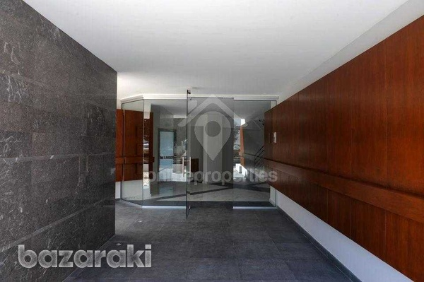 Luxury apartment in great location-7