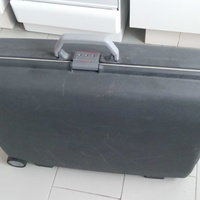 Samsonite original hard shell suitcase