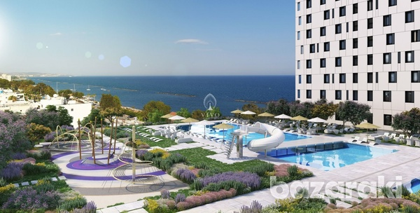 Rare luxurious 3 bedroom seafront apartment-13