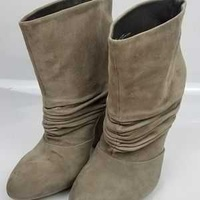 Suede boots in size 41