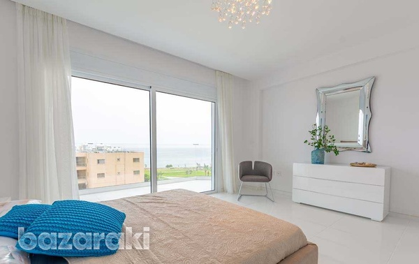 3 bedroom luxury sea front apartment - long term-6