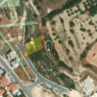 Residential plot of 594 sqm in agios athanasios